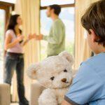 ¿Puede mi ex vivir en la vivienda familiar con su nueva pareja?